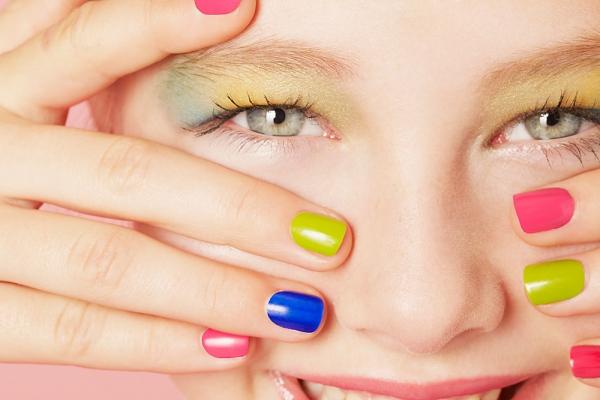 Vesele boje noktiju – trend ove sezone